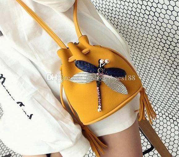 Fábrica Negro Casual Nuevo Venta S Bolsas Versión de las bolsas Dragonfly Bolsa de Cubo Caliente Bolsa Matte Matte Bombing Mensajero Hombro 50 JHWJ
