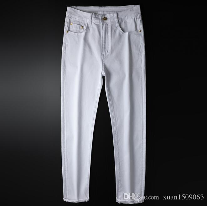 Il nuovo bianco puro goffrato lavato i pantaloni elastici per gli uomini con i piedi sottili per le quattro stagioni