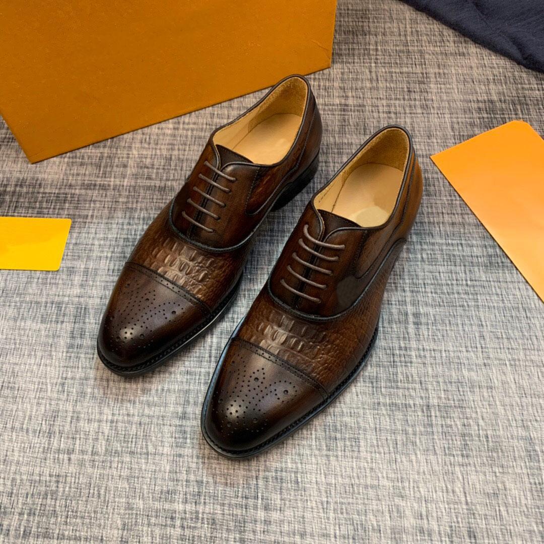 Erkek 2020 Tasarımcı Gerçek Deri Brogue Elbise Ayakkabı Erkek Moda Marka İş Ayakkabı Erkekler Rasgele Flats Boyut 38-44