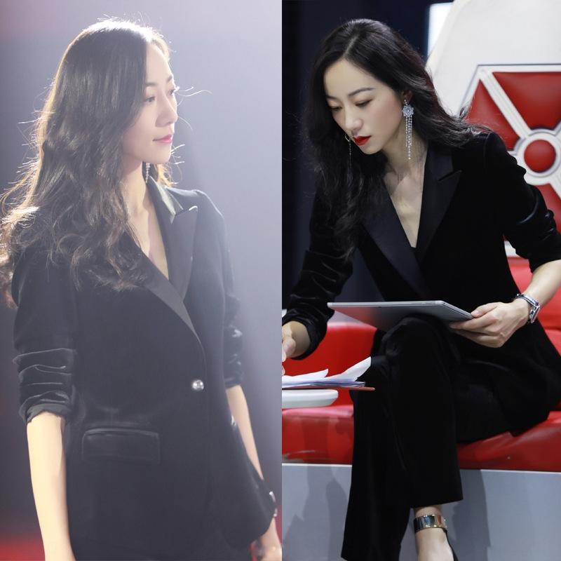 WDkGe 2019 Frühling und Herbst Korean Snow Star Frühling und Herbst neue koreanische Snow Star gleiche schwarze Textur Gold Samtanzug zweiteilige fashionab