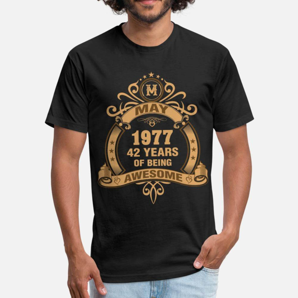 Mayıs Being Müthiş t gömlek erkekler Karakter Kısa Kollu O-Boyun Benzersiz Ünlü Rahat Bahar Trend gömlek Of 1977 42 yaşında