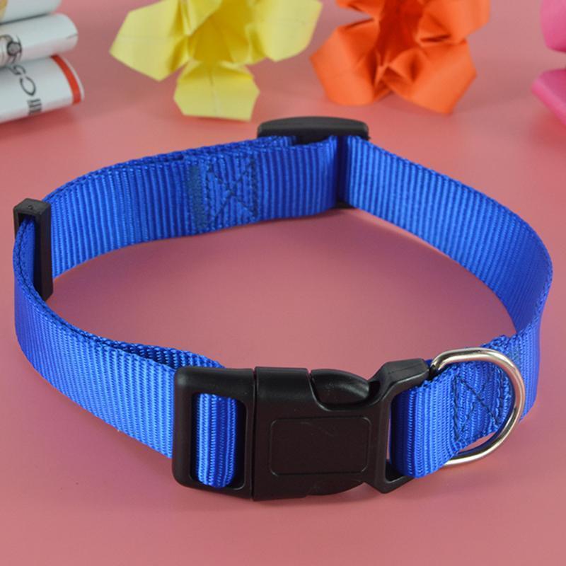 (10pieces / lot) Großverkauf 3 Farben 4 Größen-Hundehalskette Nylon Solid Color Pet Hundekatze-Kragen