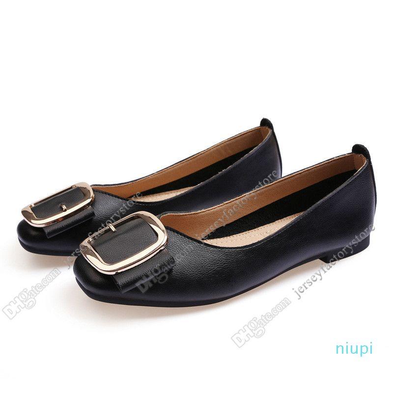 2020 dames Chaussures plates taille lager 33-43 femmes fille nue en cuir gris noir Nouveau arrivel mariage chaussures Groupe de travail Robe Quarante-sept