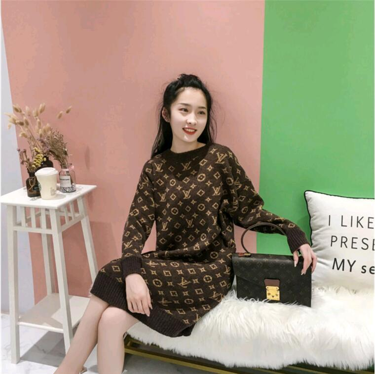 Winter 2020 new thick sweater for women loose medium and long style low round neck imitation alpaca sweater for women high-end skirt