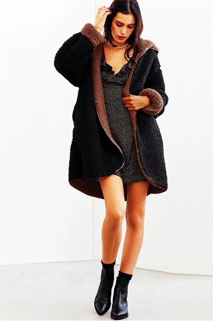 تدفئة فو الفراء أبلى معاطف عارضة ملابس نسائية على الموضة للنساء في فصل الشتاء مقنع سترة معطف