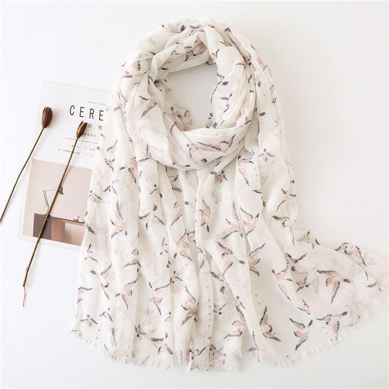 Yeni stil eşarp kış kadınlar Küçük kuş baskı turizm ipek eşarplar Moda sahil güneş kremi pamuk malzeme şal burun