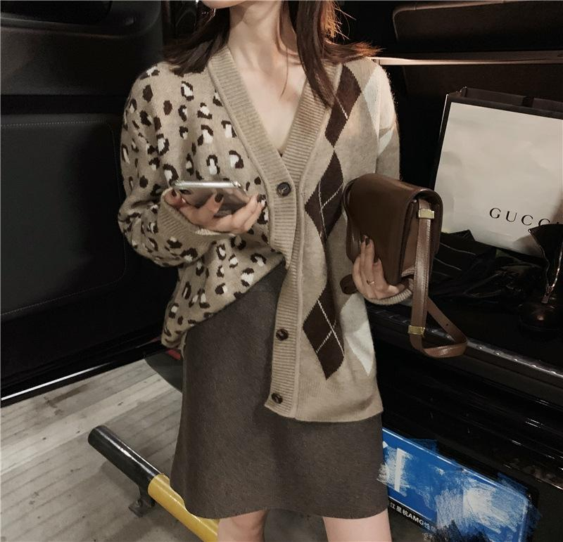 3yc1c 2020 del estilo del resorte nuevo diamante coreano hermana impresión elegante del diamante F4557 costura poco elegante leopardo V-cuello chaqueta de punto tela escocesa