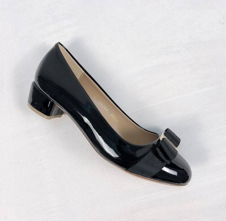 Dernières femmes appartements chaussures de ballet en cuir Femme brevet cuir nœud nœud appartements dames zapatos mujer sapato féminin 225