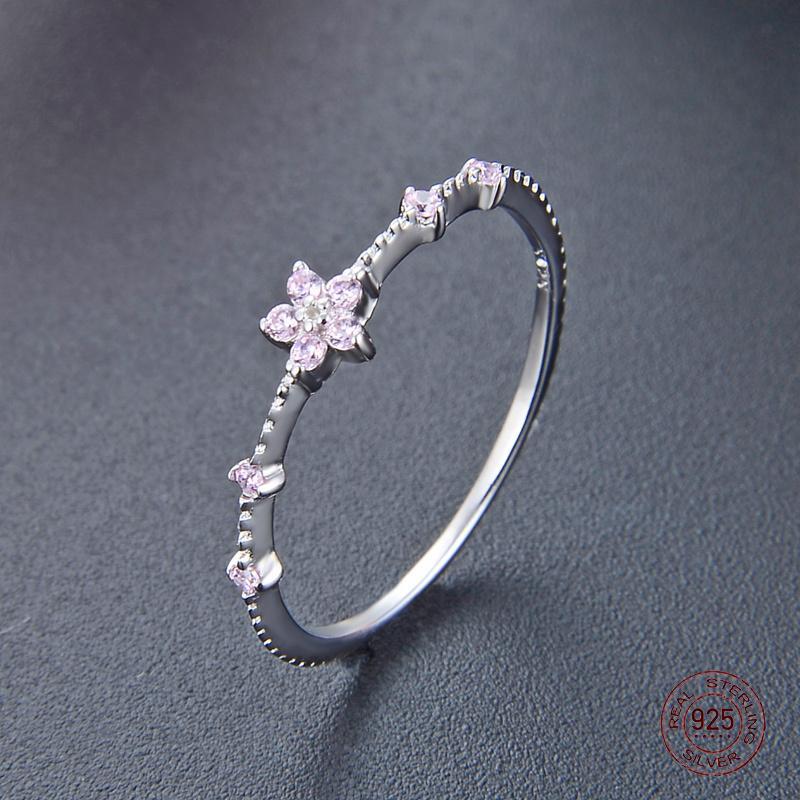 Кластерные кольца 2021 Прибытие стерлингового серебра S925 мода моды платиновые кольца Установка фиолетовых или розовых Zircons роскошный подарок ювелирных изделий для девушки
