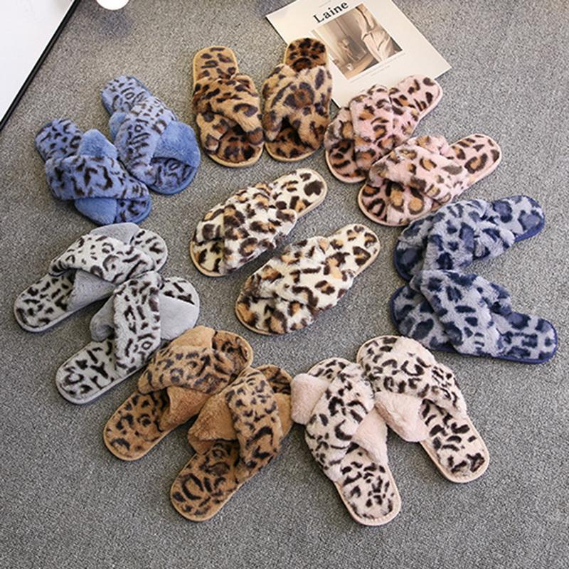 Las mujeres zapatos de los deslizadores de interior Otoño Invierno suave Inicio zapatillas de felpa calientes antideslizante-calzado de piel plana 2020 Casual Mujer