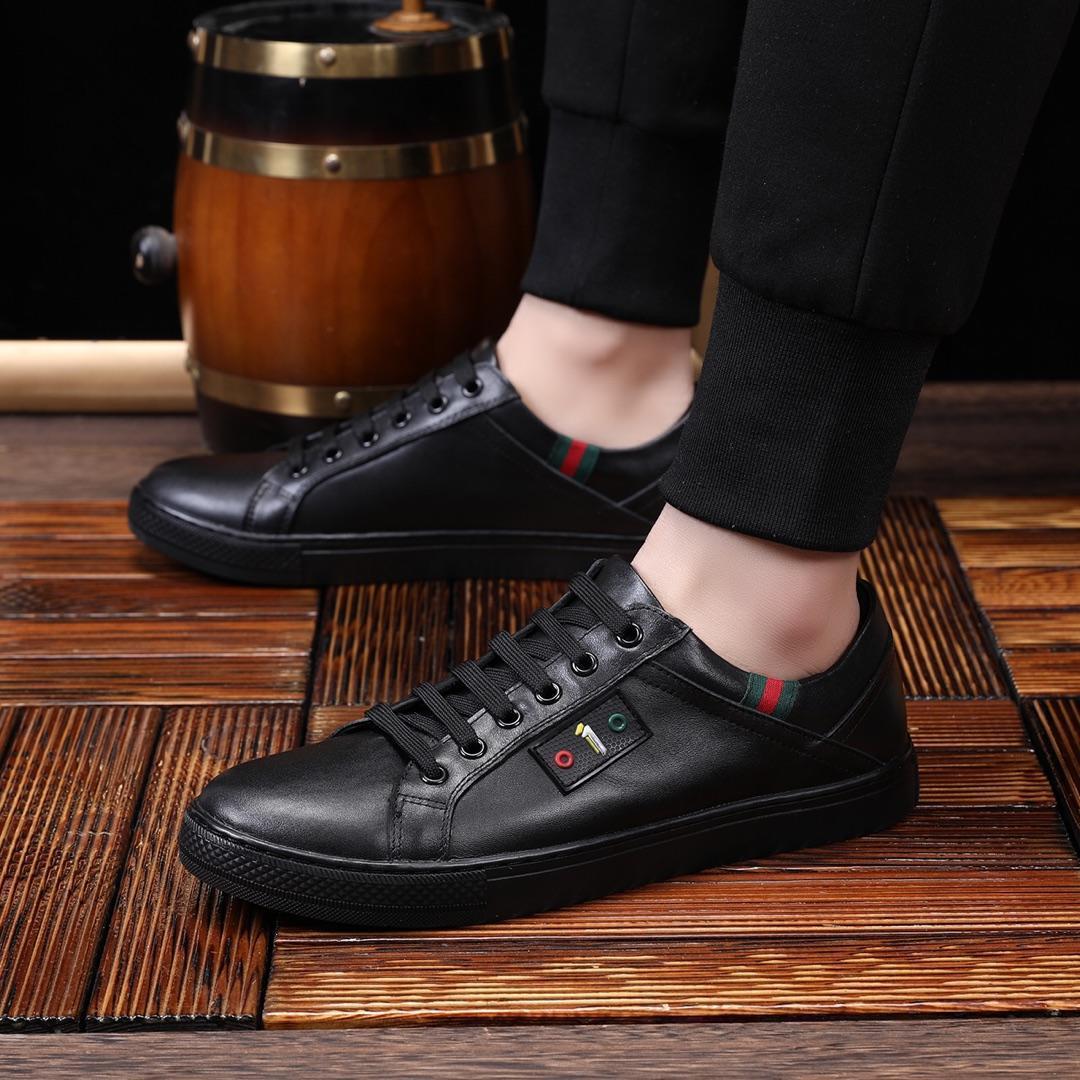 2021d Edição limitada Men '; Sneakers S couro, moda calçados casuais, espessura confortável -Soled brancas Sapatos, Box Original Embalagem
