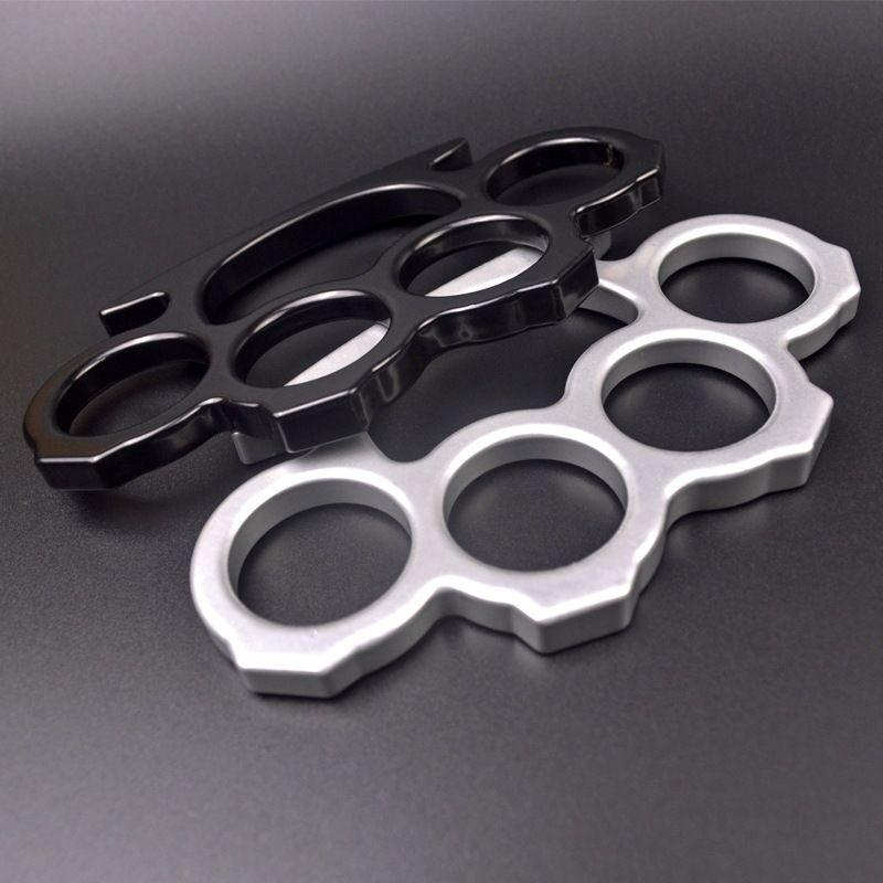 Nouveau 2021 Arme de légitime métal de métal Quatre doigts d'épaisseur bague pince poignée poing poing fist menottes articulations alliage boucle fer à quatre doigts main