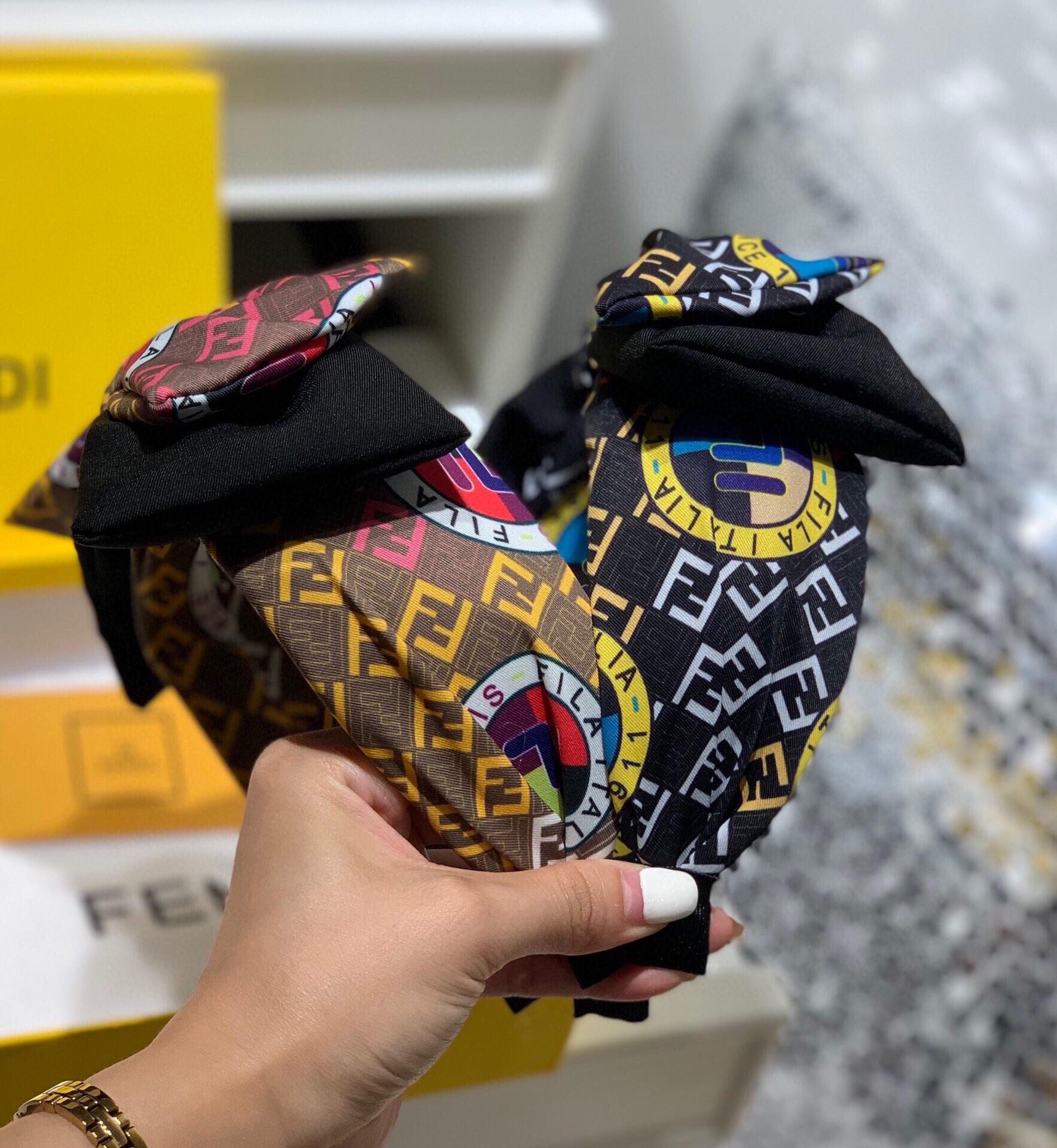 I più nuovi donne fasce 2020 della lettera di modo di stampa hairband retrò larga arco fascia 2 colori prezzo di fabbrica all'ingrosso YD076