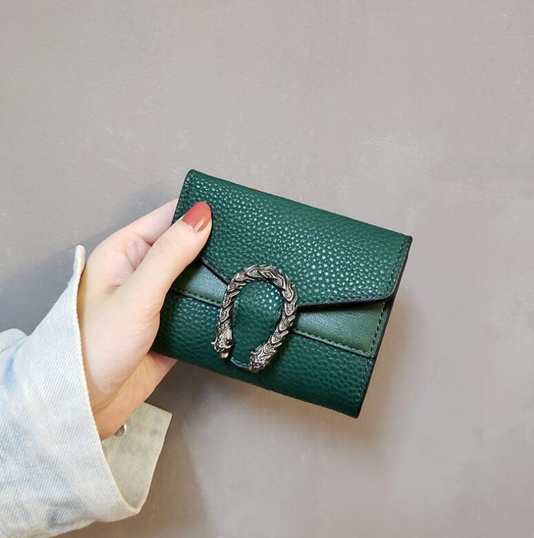 شعبية سيدة محافظ قصيرة محفظة الإناث قصيرة الرجعية أضعاف تغيير محفظة الأحمر الأسود الأخضر البني الخالص الساخن بيع مصغرة المرأة أكياس سعر المصنع
