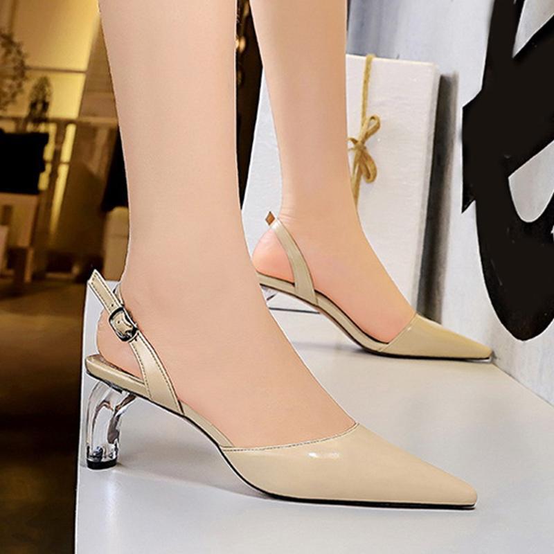 Kadınlar Sandalet Bayanlar Seksi Toka sapanlar Yüksek Topuklar Kadın Sivri Burun Yumuşak PU Deri Bayan Düğün Ayakkabı 2020 Yeni Tasarım