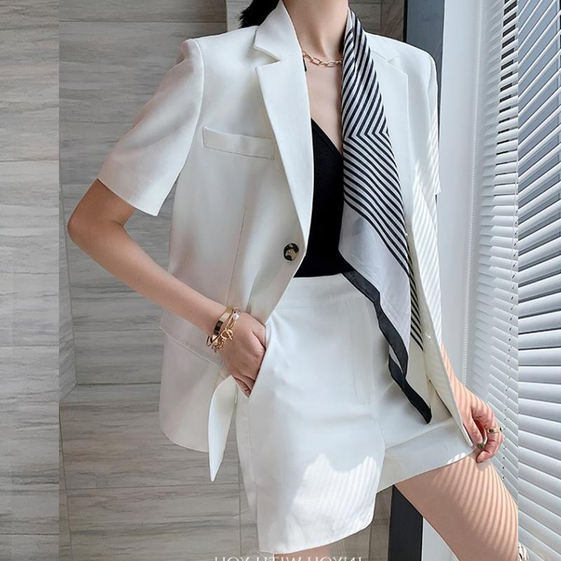 Trajes de moda shorts mujer elegante de la chaqueta de la bufanda de manga corta con muesca Blazer + bolsillo mini shorts dos piezas OL Establece Mujer Trajes T200810