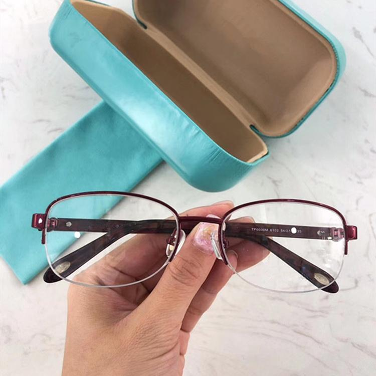 مصمم 2020 أحدث النساء eleglant البصرية نظارات إطار TF003M عن النظارات الطبية FASHIONAL حافة صغيرة خشب + معدن حالة كاملة مجموعة