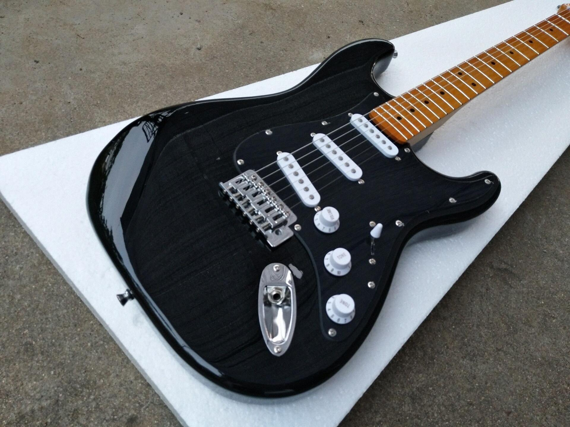 Custom Shop David Gilmour Strat Black ST Electric Guitar 3 Ply All Black Pickguard, Gloss Paint Yellow Neck & Fingerboard, One String oTxS#