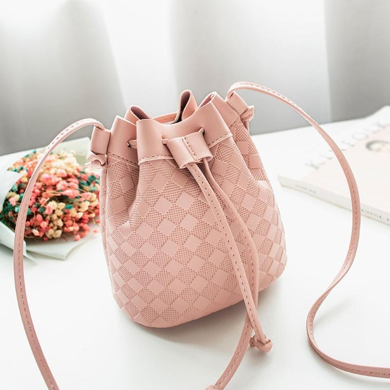 2020 new fashion Woman Pink Crossbody Handbag Kawaii Pu Bucket Bag Organizer Small Tassel PU Leather Women Shoulder Messenger Bag Bolsa Rosa
