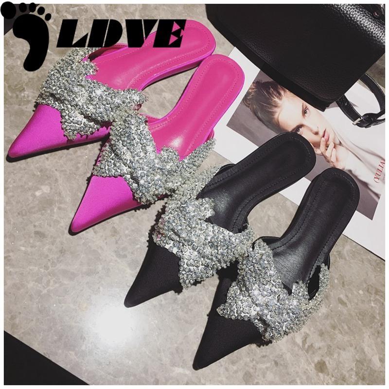 2020 neue Marken-Sommerschuhe Frauen Luxuxentwurf Bling crysatal Spitzschuh Flache Pantoletten Damen Elegant Sandale