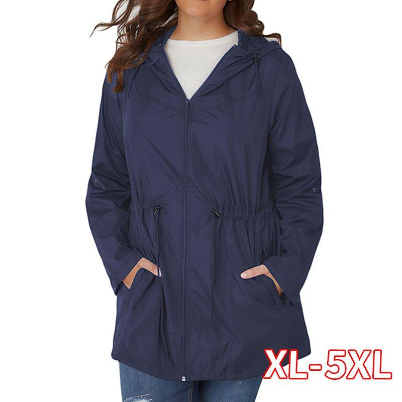 Plus Size Trench mit Kapuze Outwear Frauen-Frühlings-Herbst 2020 Hohe Qualität Leichte Damen-lange 4XL 5XL Windjacke Mäntel