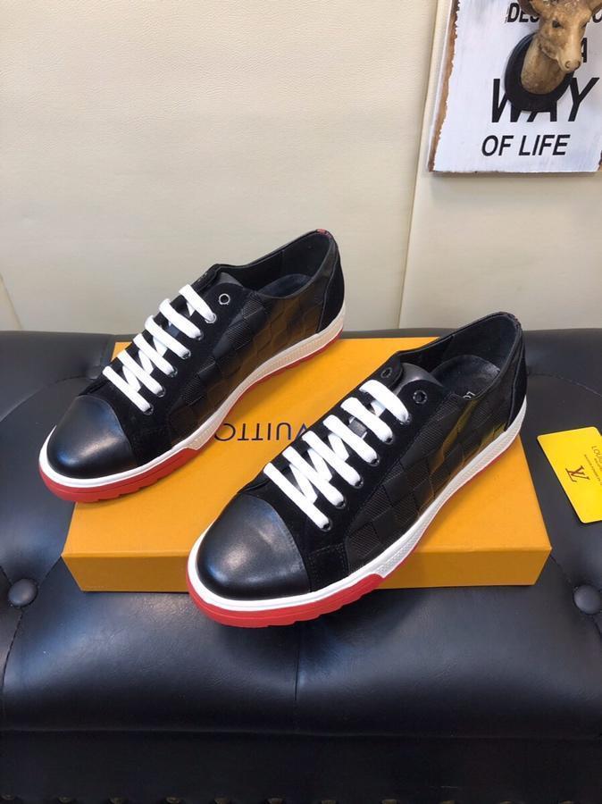 2021r Edição limitada Men '; S Marca de couro sapatos casuais, confortável e respirável Lace -Up Sneakers, um conjunto completo de Shoe Box Original