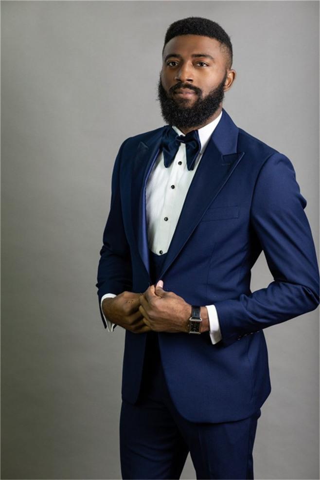 Yeni Geliş Groomsmen Tepe Yaka Damat smokin Kraliyet Mavi Erkekler Suits Düğün / Balo Sağdıç Blazer (Ceket + Yelek + Pantolon + Kravat) O1053