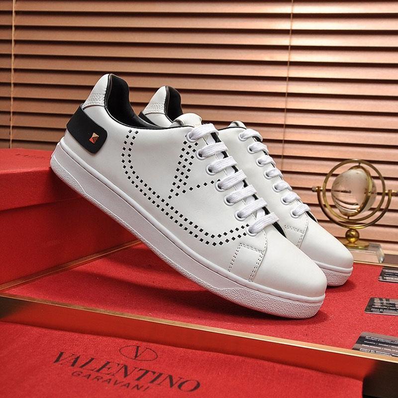 2020 W1 Fashion Trend Herren Designer-Schuh-Leder Mesh-Breathable bequemer Outdoorschuh Lace-up beiläufige Wanderer Schuhe Herren Sneakers
