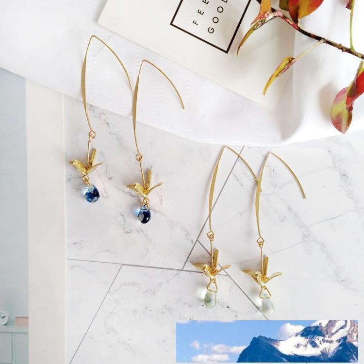 Orecchini di goccia dell'acqua di cristallo Handmade Little Bird lungo blu ciondola l'orecchino con gru di carta Charm 2019 coreana all'ingrosso di modo
