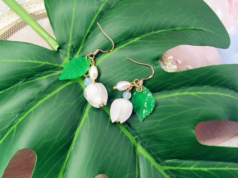 Lily of the Valley freshwater Pearl and earrings pearl earrings women's sterling silver gold-plated anti-allergy short temperament simple hi