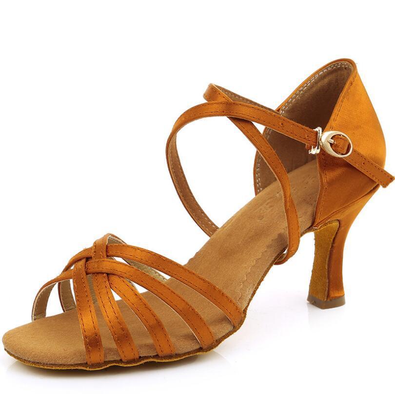 Mulher Latin Dance Shoes Ladies Meninas Sapatilha da dança por Mulheres Jazz Ballroom Salsa sapatos de dança de 6 cores cerca de 5cm / 7 centímetros A01D