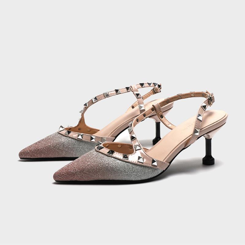 Bombas 2020 zapatos de las mujeres de verano de moda femenina sandalias del remache de la decoración del metal cuero de la PU mujeres del estilo de los tacones altos Zapatos De Mujer
