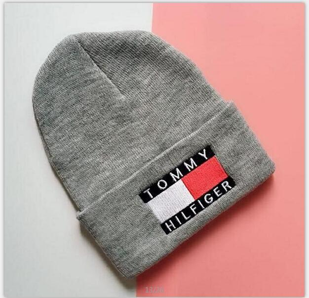 Quality Designer Sexy Embroidery Acrylic Knitted Beanies Winter Hats Adults Mens Womens Head Warmer Man Woman Snow Cap 4a