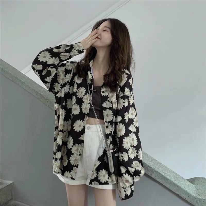 7aJ0s Sonnenschutz Kleidung für Frauen-Mantel-Shirt 2020 neue Online-Berühmtheit elegante Art losen Blume Langarm-Shirt für Studentinnen Mitte