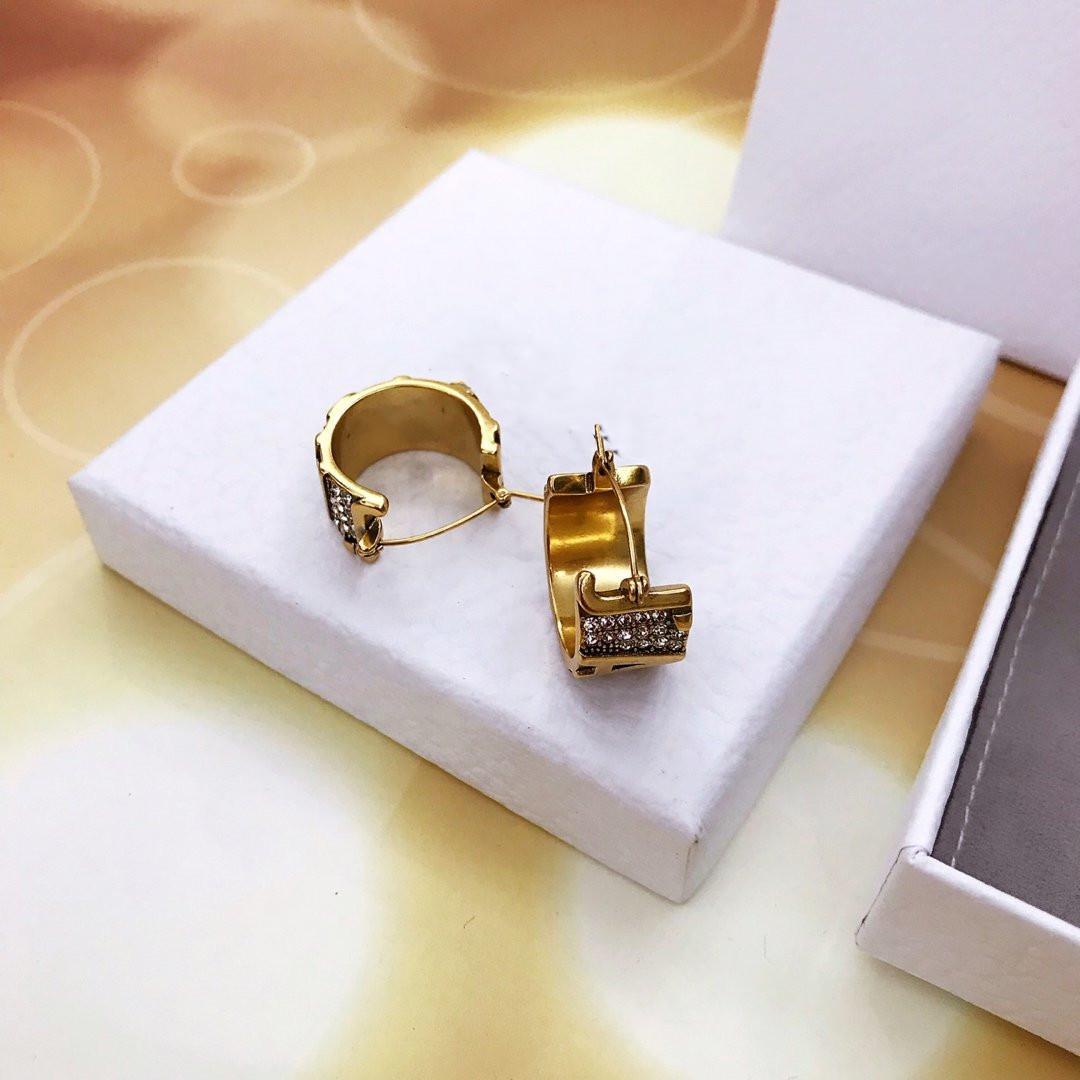 Золотые серьги для женщин серьги моды Vintage письма серьги латуни высокого качество ювелирных изделий способа питания