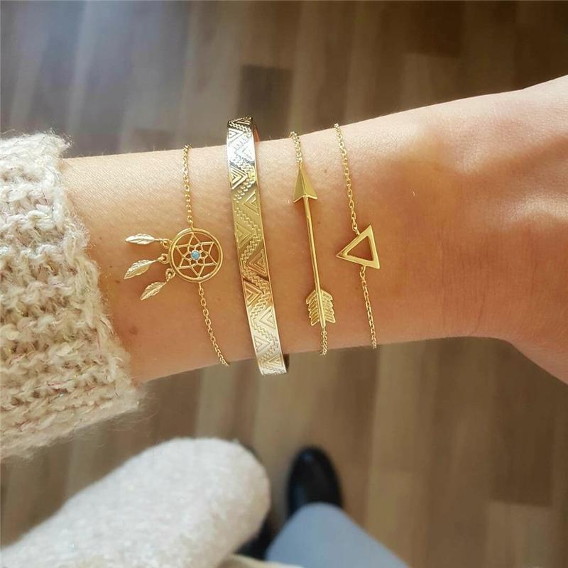 4 pc / insieme Bohemian Triangolo Freccia Dream Catcher bracciale per le donne Moda semplice Aprire BRACCIALE monili all'ingrosso