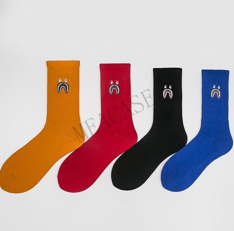 Équipage Cartoon Shark bouche Socks Designer Coton Mid Level adolescents long Bas Skateboard Hip Hop Adulte Sport Mode Chaussettes D8606