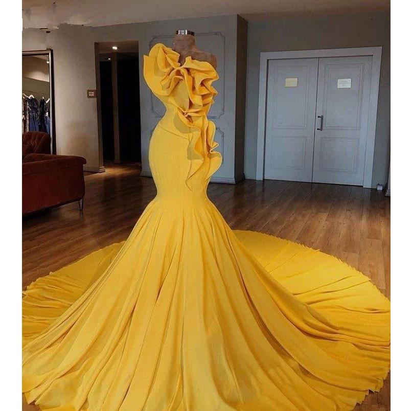 2020 Progettato Arabia arabo Giallo Mermaid Prom Dresses Special increspature lungo promenade Abiti di gala abito da sera elegante