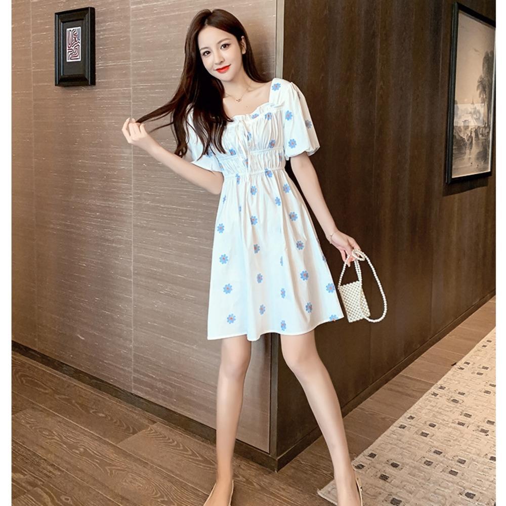 XHv42 2020 Yaz yenilikçi elbise tarzı Fransız tarzı kız Koreli küçük kare kabarcık kol Papatya yaka kısa kollu elbise