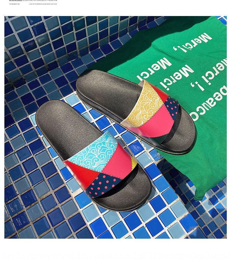 2020 nuovi pistoni di infradito sandali all'aperto sandali comodi delle vacanze antiscivolo coreano moda paio di pantofole e di stile degli uomini