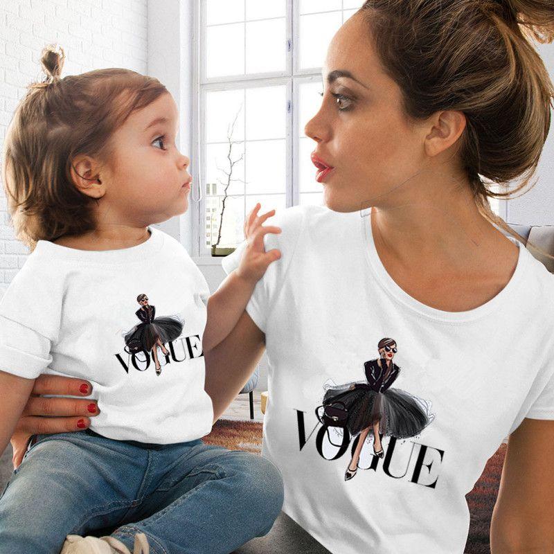 Moda Aile Eşleştirme Giyim Kıyafetler Bak anne kızı VOGUE Prenses Tişört Giyim Annem ve Ben Aile Bak Tişörtü