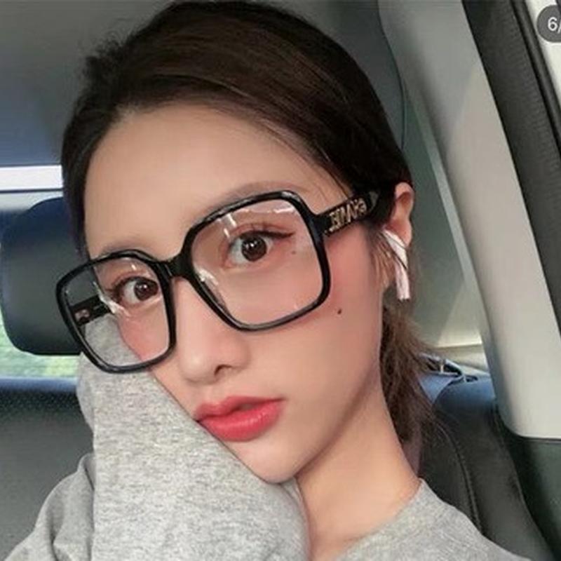 Солнцезащитные очки Квадрат Большой Рамка Анти-Синий Свет Стекла Женщины 2021 Дизайнерская Мода Письмо Письмо Очки Дамы Очистить простое Зеркало