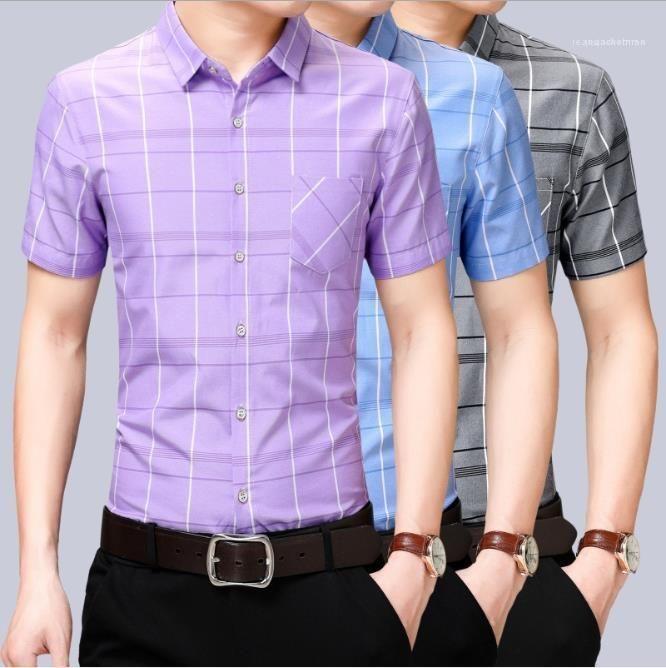 Neck Homme Lapel Vêtements Hommes 2020 Designer Chemises à manches courtes d'été Mode Plaid d'affaires Chemise