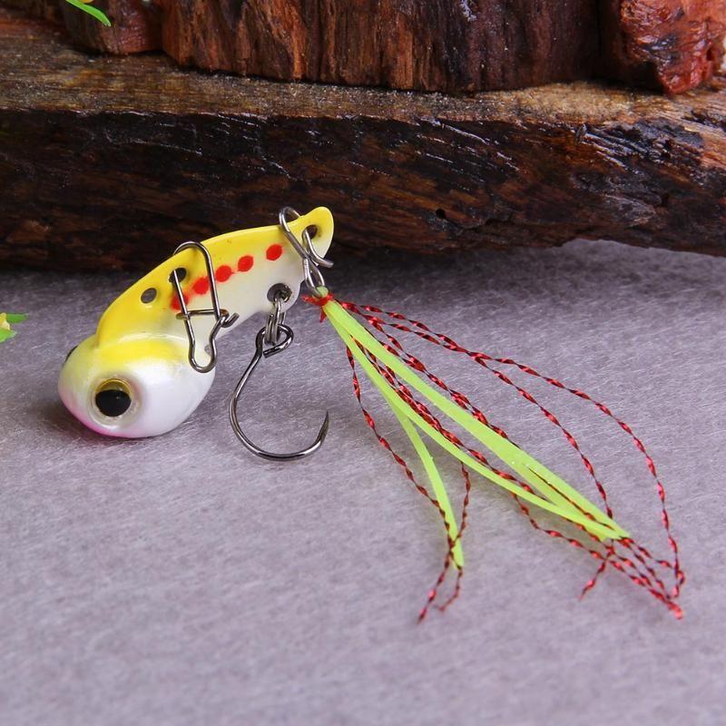 1pcs de la venta caliente 5 colores 3g pesca de los señuelos de metal de las lentejuelas de pescado cebos duros Bajo vibración Crank Bait Tackle cebo artificial señuelo falso