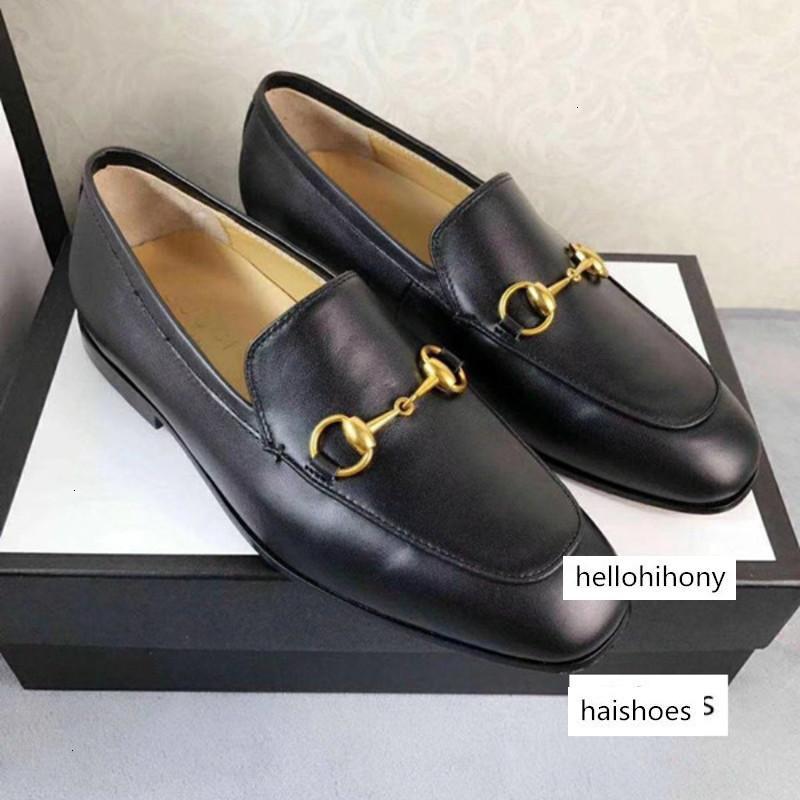 Realmente modelos de couro italiano sapatos de vestido de couro Designer Top Sapatas dos homens da festa de casamento camurça preguiçosos sapatos de salto