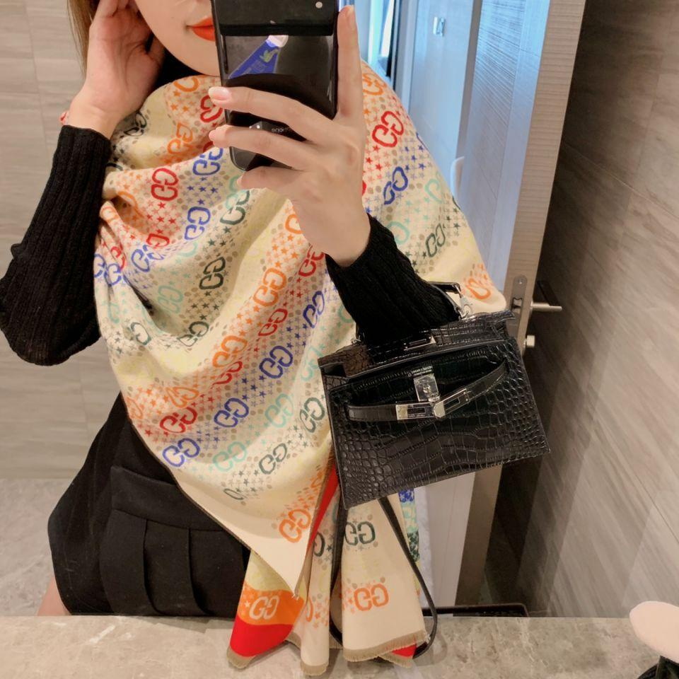 Moda-Moda Tasarımcıları fular Lady süper Avrupa luxurys Kış Kaşmir Yumuşak ScWomen Marka Harf Baskı hediye