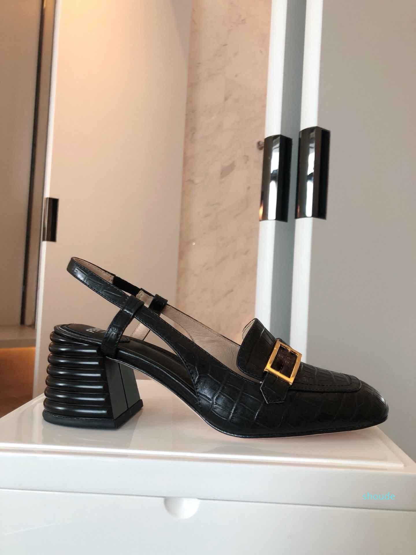 Hot Vente- 2020 Nouveaux Sandales Designer avec talons épais, tapis de talons haut luxe été pour les femmes, Sandales Designer populaires