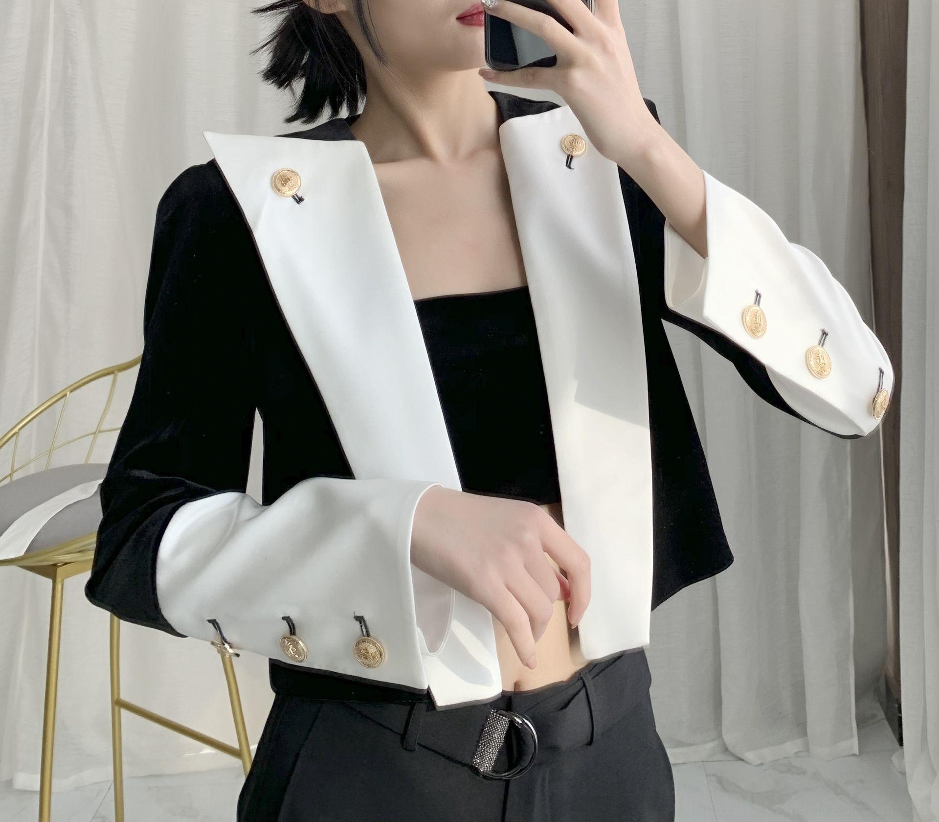 2020 primavera y el otoño solapa de color blanco y negro a juego de oro capa corta coatvelvet corta F5063 pequeña capa de juego de las mujeres pEBpD