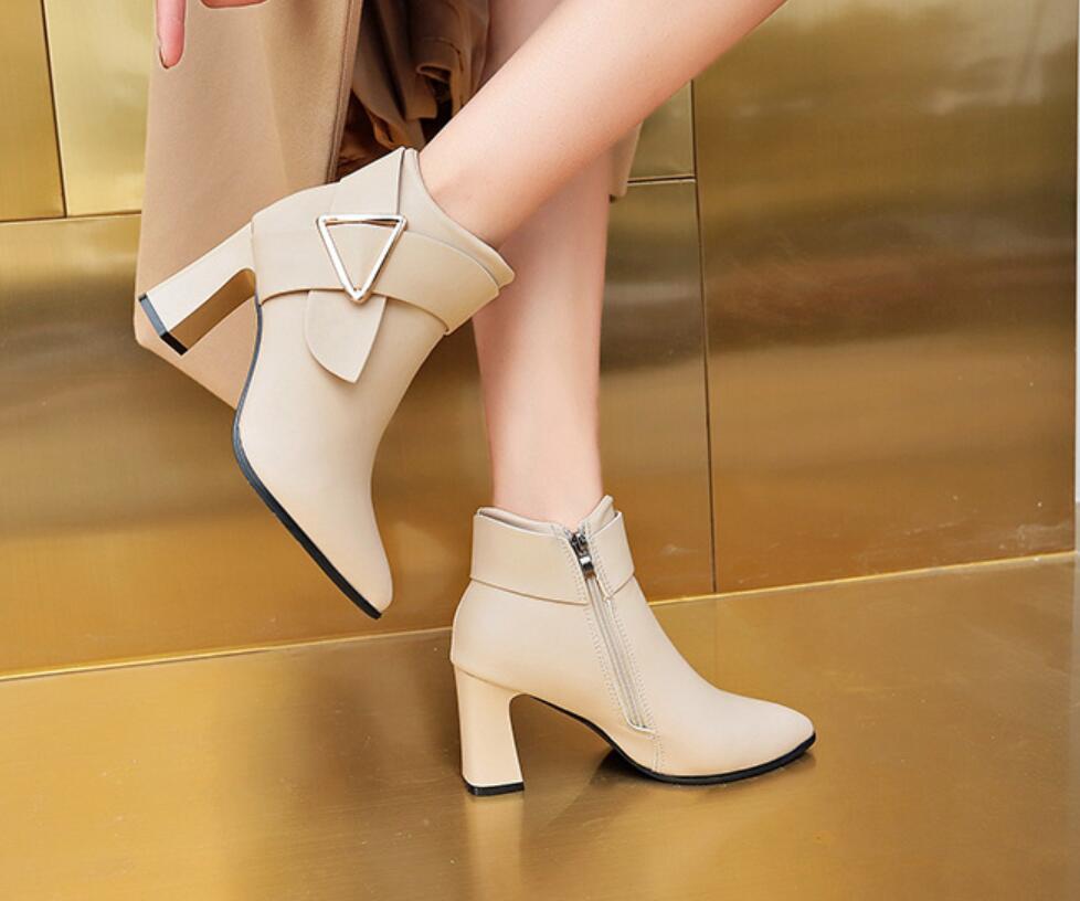 Lüks tasarımcılar Avrupa ve Amerikan moda tıknaz yarım bot, sivri ayak bileği çizme, Martin botları, tatil hediye tasarım