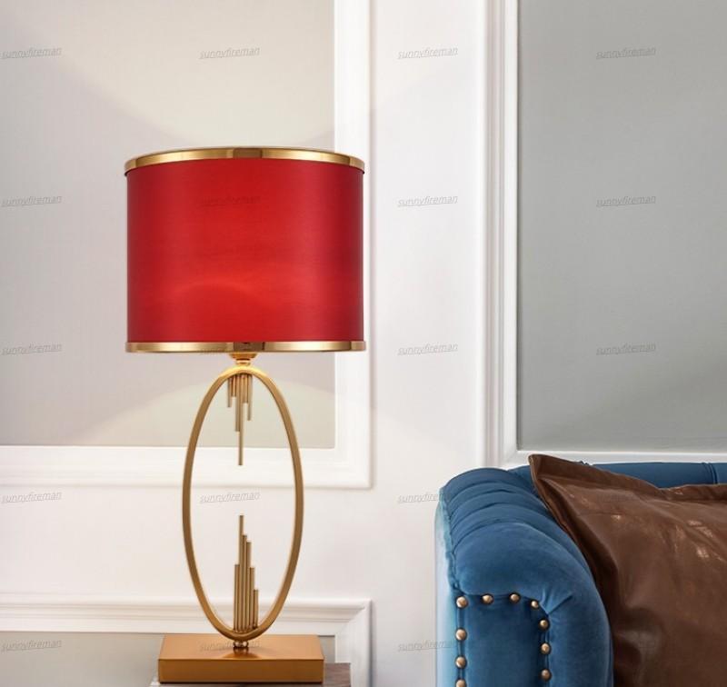 Métal moderne d'or ovale Tuyau forme Lampe de table en métal Abajurs Salon Home Decor Lampe de table Tissu Noir Chambre Lampe Luminaire